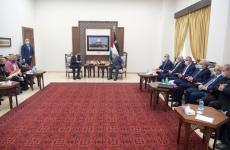 عباس يلتقي وزير الخارجية الأمريكي.jpg