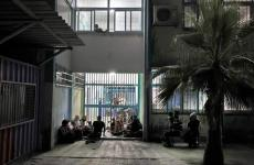 مواطنون في مدارس اونروا بعد هدم بيوتهم.jpg