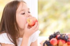 فوائد التفاح للأطفال.jpg