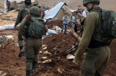 الاحتلال يقتحم أراضي المواطنين.jpeg