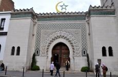 مسجد في فرنسا.jpeg