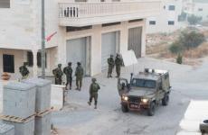 اقتحام الاحتلال مكتب.jpg