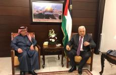 محمود عباس ومحمد العمادي.jpg