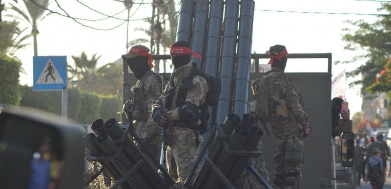 الجبهة الديمقراطية تنظم عرضاُ عسكريا في مدينة غزة