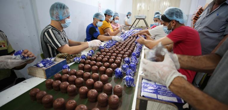 صناعة حلوى الشتوي في غزة